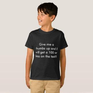 100 ou moins de T-shirts drôles d'école d'enfants