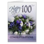 100th carte florale de félicitations d'anniversair