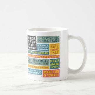 10 tours à sembler futés au cours des réunions mug