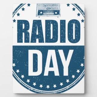 13 février - jour par radio - jour d'appréciation photo sur plaque