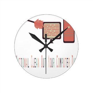 13 février - nettoyez votre jour d'ordinateur horloge ronde