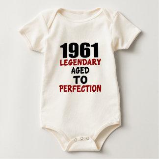 1961 LÉGENDAIRES ÂGÉS À LA PERFECTION BODY