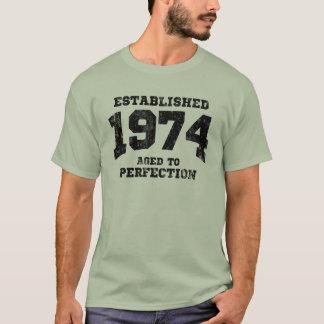 1974 établis âgés à la perfection t-shirt