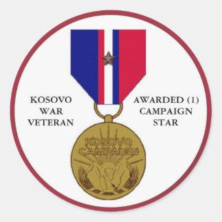 1 COMBATTANT DE KOSOVO D'ÉTOILE DE CAMPAGNE STICKER ROND