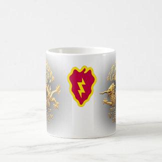 25ème Infanterie et dragon de service du Vietnam Mug