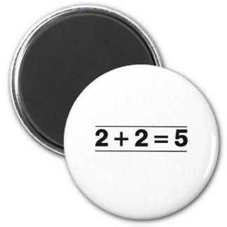 2 +2 = 5 MAGNET ROND 8 CM