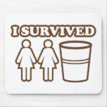 2 filles 1 tasse tapis de souris