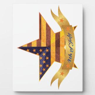 4 juillet bannière et étoile avec la texture de impressions sur plaque