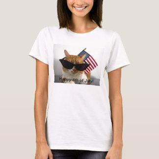 4 juillet chat frais heureux avec le T-shirt de