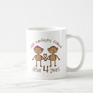 4èmes cadeaux drôles d'anniversaire de mariage mug