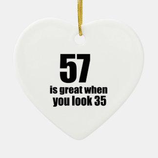 57 est grand quand vous regardez l'anniversaire ornement cœur en céramique