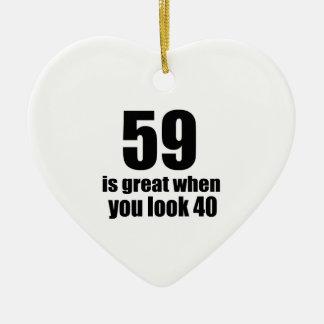 59 est grand quand vous regardez l'anniversaire ornement cœur en céramique