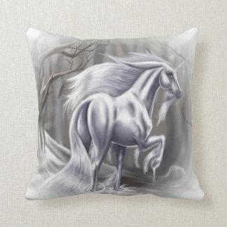 #5-Unicorn dans la neige Oreillers