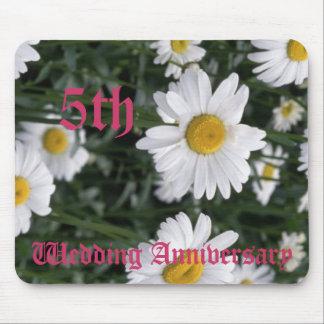 5ème anniversaire de mariage - marguerite tapis de souris