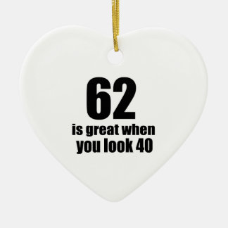 62 est grand quand vous regardez l'anniversaire ornement cœur en céramique