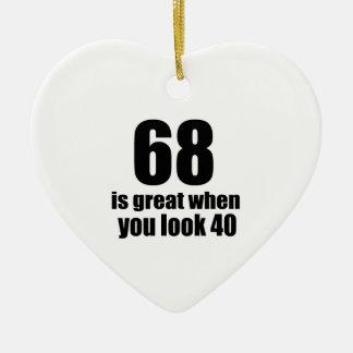 68 est grand quand vous regardez l'anniversaire ornement cœur en céramique