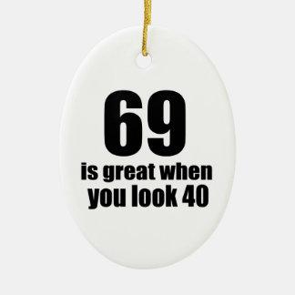 69 est grand quand vous regardez l'anniversaire ornement ovale en céramique