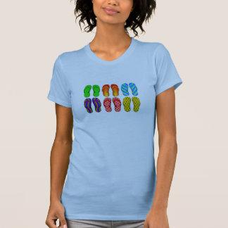 6 chaussures colorées de plage de bascules électro t-shirts