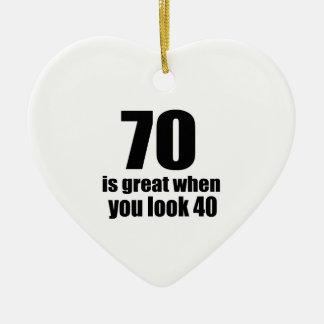70 est grand quand vous regardez l'anniversaire ornement cœur en céramique
