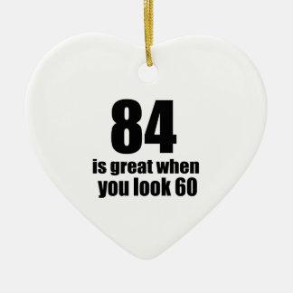 84 est grand quand vous regardez l'anniversaire ornement cœur en céramique