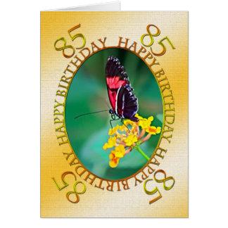 85th Carte d'anniversaire de papillon et de fleur