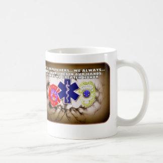 911 expéditeurs nous avons toujours vos vies dans mug