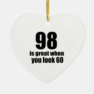 98 est grand quand vous regardez l'anniversaire ornement cœur en céramique