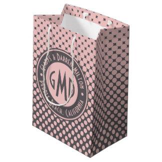 À la mode gris rose millénaire de monogramme de sac cadeau moyen
