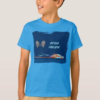 À la voie de course badine le T-shirt