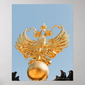 À l'origine un symbole bizantin, double-dirigé posters