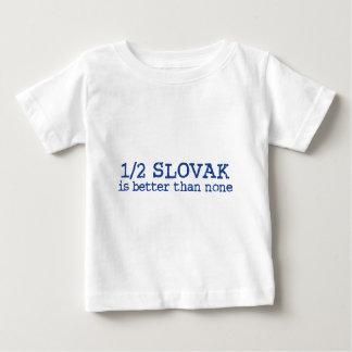 À moitié slovaque t-shirt pour bébé
