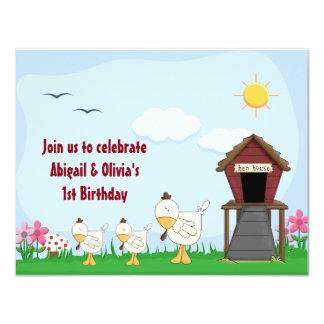 Ă?re invitation d'anniversaire de poussins jumeaux
