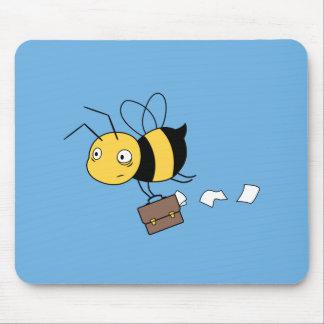 Abeille de Beezness, abeille soumise à une Tapis De Souris