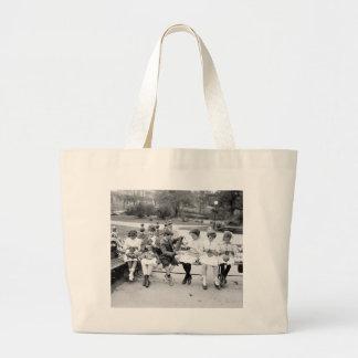 Abeille patriotique de tricot, les années 1900 tôt grand sac