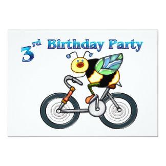 Abeille sur un 3ème anniversaire de vélo carton d'invitation  12,7 cm x 17,78 cm