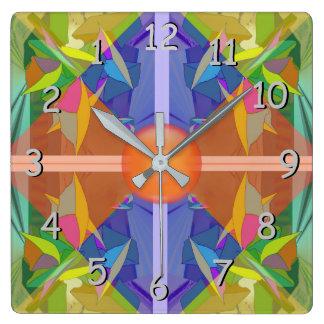 Abrégé sur occupé endroit aux pastels vers horloge carrée