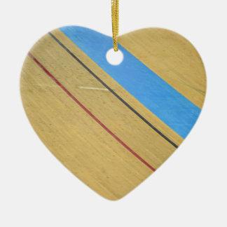 Abrégé sur vélodrome ornement cœur en céramique