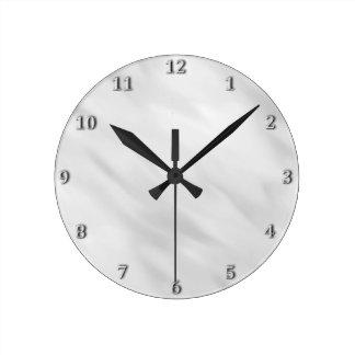 Accessoire argenté brumeux élégant de Bath Horloge Ronde