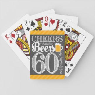 Acclamations et bières à 60 ans de cartes de jeu cartes à jouer