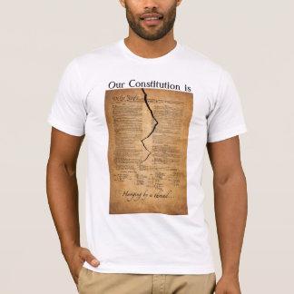 Accrocher par un fil t-shirt