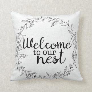 Accueil à notre coussin de signe bienvenu de nid