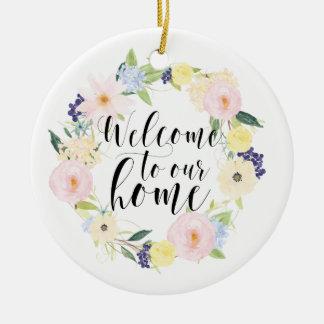 Accueil floral de guirlande de ressort en pastel à ornement rond en céramique