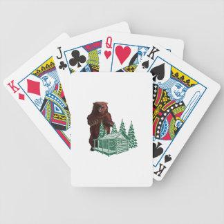 Action agressive jeux de cartes