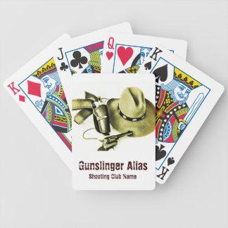 Action de cowboy tirant le paquet de cartes rapide jeu de cartes