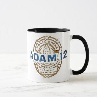 Adam-12 et chalut tasse