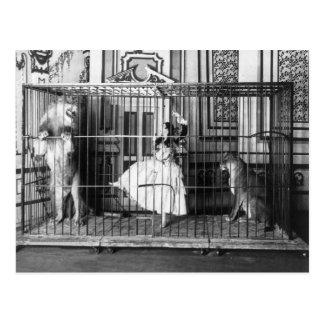 Adgie et elle ont formé le cirque vintage 1897 de carte postale