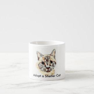 Adoptez un chat d'abri tasse expresso