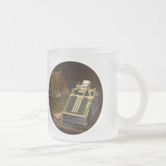 Affaires vintages, machine à additionner comptable mug en verre givré