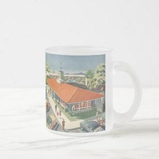 Affaires vintages, restaurant de famille avec des mug en verre givré