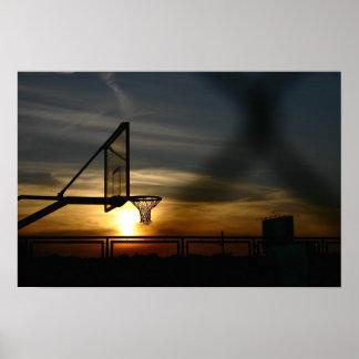 Affiche de terrain de basket et de coucher du sole posters